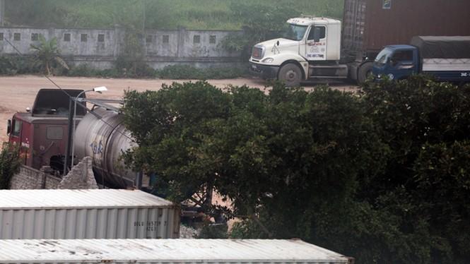 Đột nhập bãi rút ruột xe bồn ở Hải Dương - ảnh 4