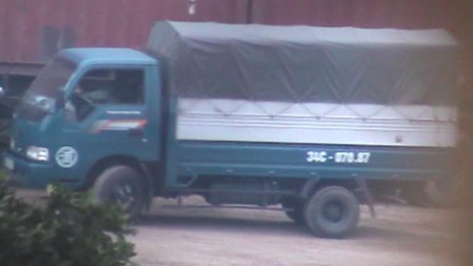 Đột nhập bãi rút ruột xe bồn ở Hải Dương - ảnh 2