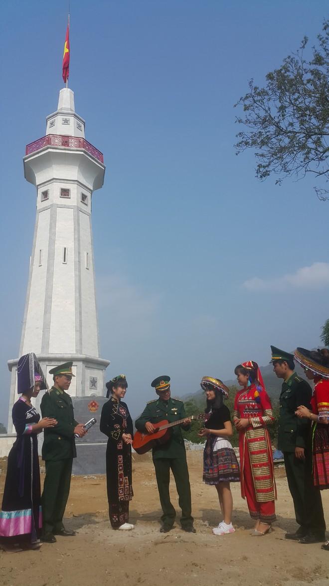 Nơi con sông Hồng chảy vào đất Việt - ảnh 1