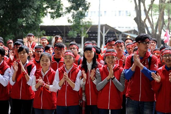 [ẢNH] Hàng nghìn người diễu hành cổ động Chủ Nhật Đỏ - ảnh 6