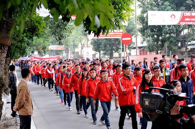 [ẢNH] Hàng nghìn người diễu hành cổ động Chủ Nhật Đỏ - ảnh 9