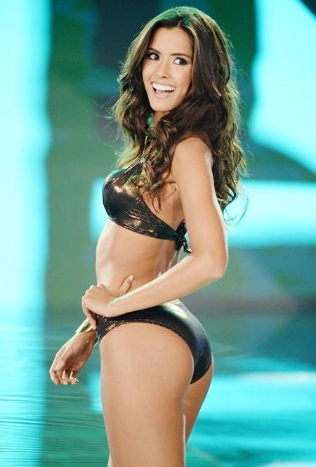 10 khoảnh khắc bikini đẹp hút hồn của tân Hoa hậu Hoàn vũ - ảnh 9