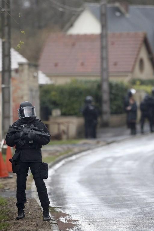 [CẬN CẢNH] Đặc nhiệm Pháp săn lùng kẻ thảm sát tòa báo ở Paris - ảnh 8