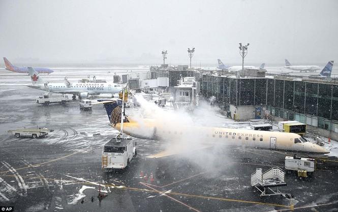"""[ẢNH] Mỹ đối phó với trận bão tuyết """"khủng khiếp nhất lịch sử"""" - ảnh 17"""