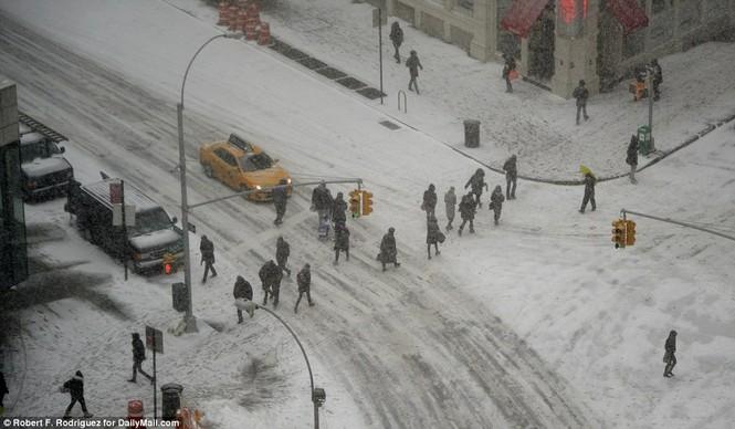 """[ẢNH] Mỹ đối phó với trận bão tuyết """"khủng khiếp nhất lịch sử"""" - ảnh 7"""