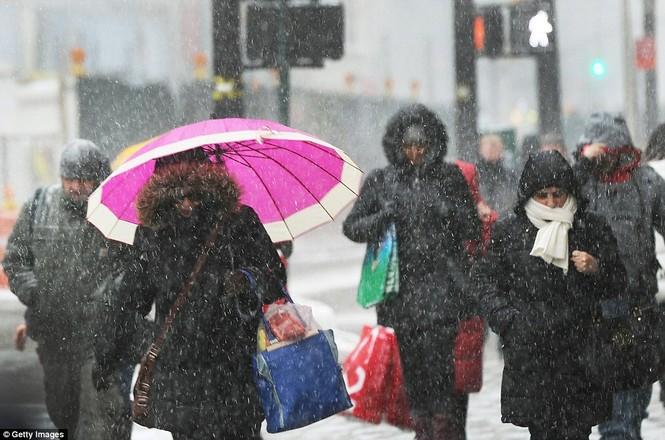 """[ẢNH] Mỹ đối phó với trận bão tuyết """"khủng khiếp nhất lịch sử"""" - ảnh 8"""