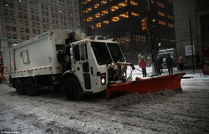 """[ẢNH] Mỹ đối phó với trận bão tuyết """"khủng khiếp nhất lịch sử"""" - ảnh 14"""