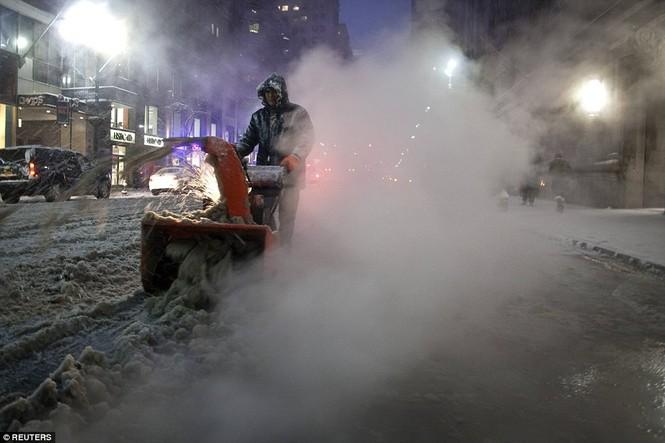 """[ẢNH] Mỹ đối phó với trận bão tuyết """"khủng khiếp nhất lịch sử"""" - ảnh 10"""