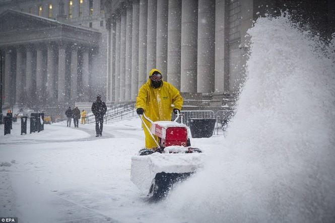 """[ẢNH] Mỹ đối phó với trận bão tuyết """"khủng khiếp nhất lịch sử"""" - ảnh 11"""