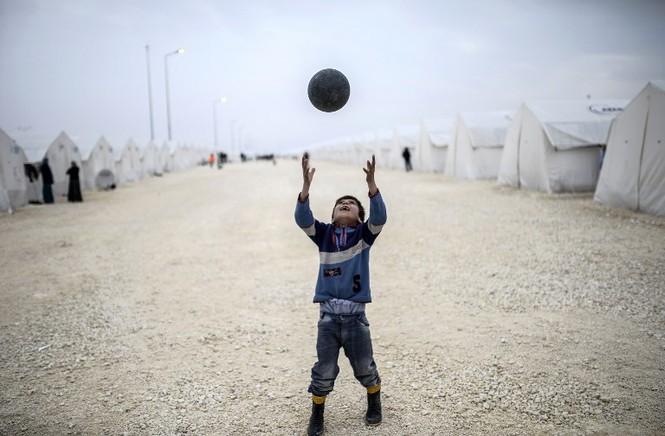 [ẢNH] Cuộc sống người Kurd trong trại tị nạn ở Thổ Nhĩ Kỳ - ảnh 10