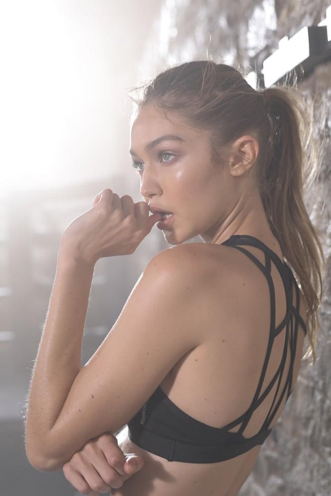 Gigi Hadid hoá cô nàng boxing nóng bỏng đầy quyến rũ - ảnh 7