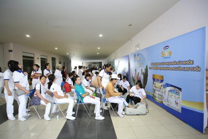 Vinamilk Sure đồng hành chăm sóc sức khoẻ người cao tuổi - ảnh 2