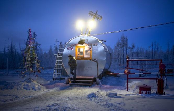 Thăm thú ngôi làng lạnh nhất thế giới đón năm mới - ảnh 9