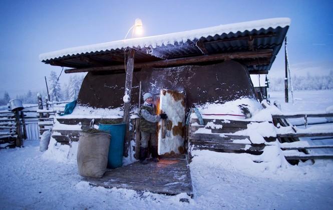 Thăm thú ngôi làng lạnh nhất thế giới đón năm mới - ảnh 12