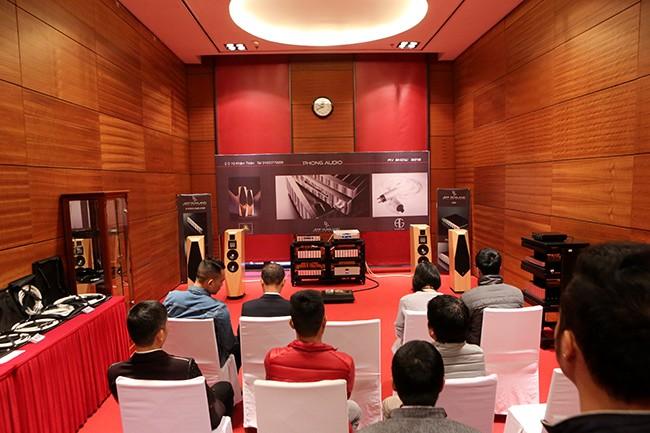 Khai mạc triển lãm thiết bị nghe nhìn Avshow Hà Nội - ảnh 11