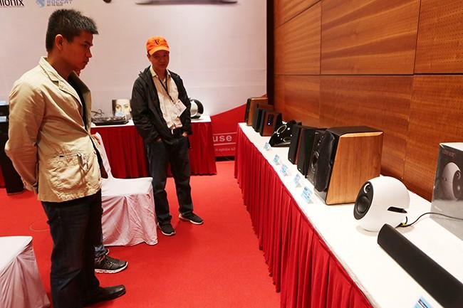 Khai mạc triển lãm thiết bị nghe nhìn Avshow Hà Nội - ảnh 13