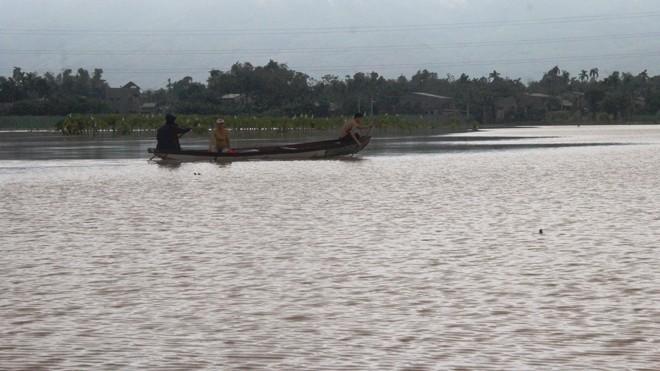 Nhiều nơi ở Quảng Nam ngập trong nước lũ - ảnh 1