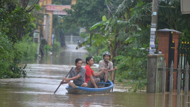 Nhiều nơi ở Quảng Nam ngập trong nước lũ - ảnh 3