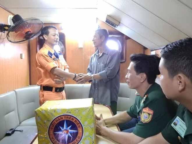 6 ngư dân gặp nạn tại khu vực biển Khánh Hòa - ảnh 4