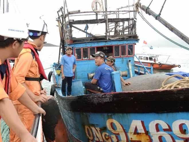 6 ngư dân gặp nạn tại khu vực biển Khánh Hòa - ảnh 5