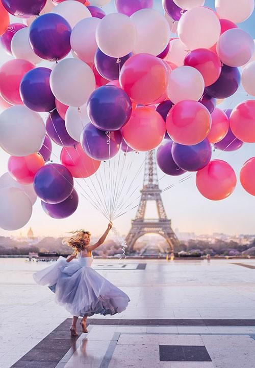 Mỹ nữ lộng lẫy váy áo tô điểm các cảnh đẹp trên thế giới - ảnh 4