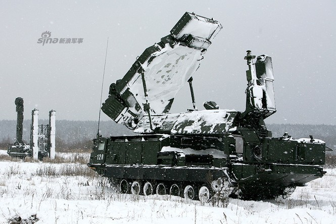 Nga di chuyển S-300VM giữa tuyết trời lạnh giá - ảnh 10