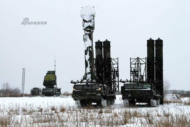 Nga di chuyển S-300VM giữa tuyết trời lạnh giá - ảnh 11