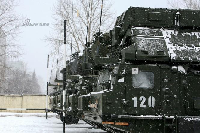 Nga di chuyển S-300VM giữa tuyết trời lạnh giá - ảnh 3