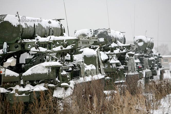 Nga di chuyển S-300VM giữa tuyết trời lạnh giá - ảnh 4