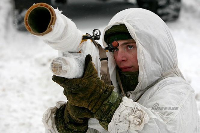 Nga di chuyển S-300VM giữa tuyết trời lạnh giá - ảnh 5
