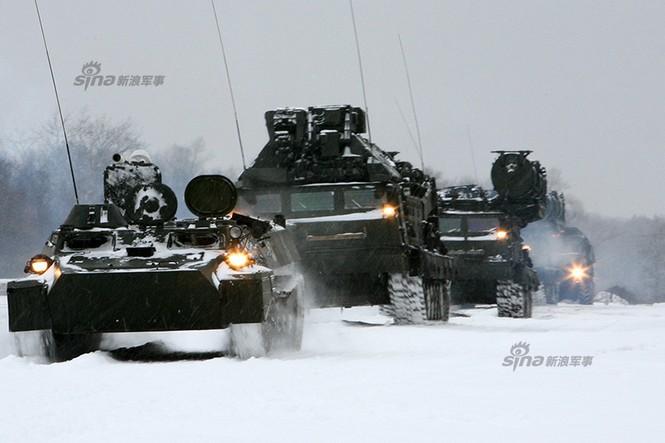 Nga di chuyển S-300VM giữa tuyết trời lạnh giá - ảnh 8