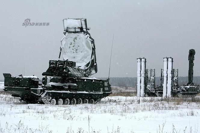 Nga di chuyển S-300VM giữa tuyết trời lạnh giá - ảnh 9