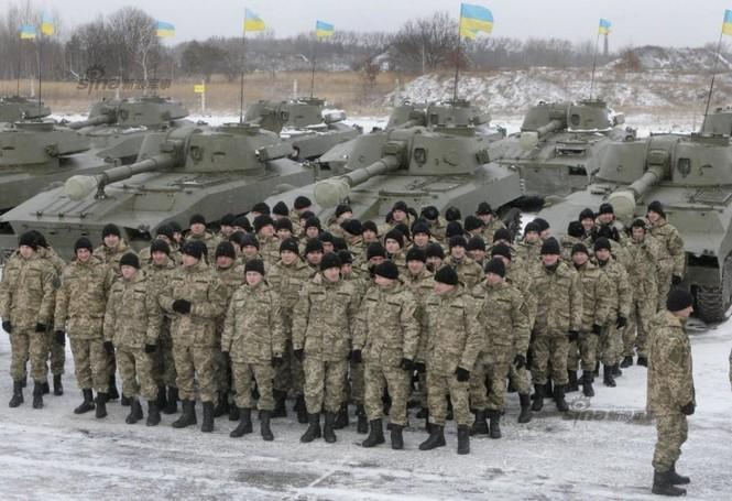 [ẢNH] Ukraine tăng cường vũ khí hạng nặng cho quân đội - ảnh 12
