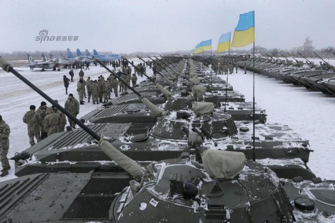 [ẢNH] Ukraine tăng cường vũ khí hạng nặng cho quân đội - ảnh 14