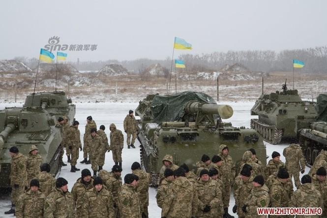 [ẢNH] Ukraine tăng cường vũ khí hạng nặng cho quân đội - ảnh 3