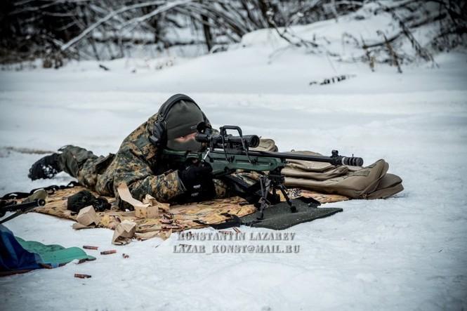 Tận thấy đặc nhiệm Nga tác chiến trong băng giá - ảnh 10