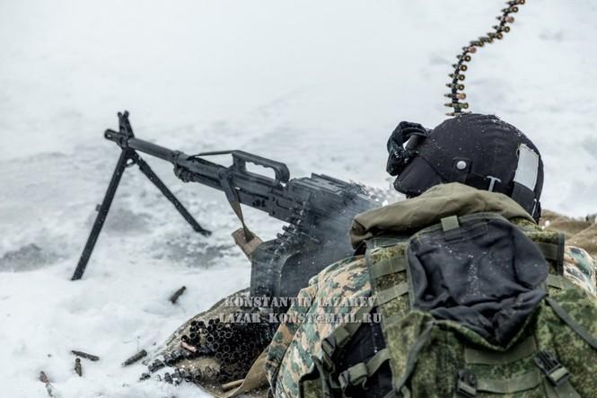 Tận thấy đặc nhiệm Nga tác chiến trong băng giá - ảnh 11