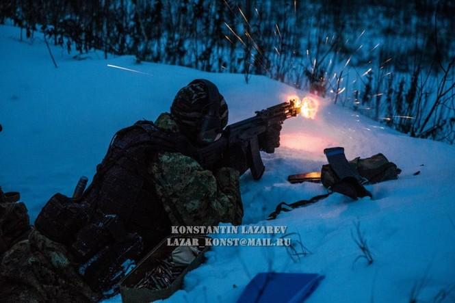 Tận thấy đặc nhiệm Nga tác chiến trong băng giá - ảnh 17