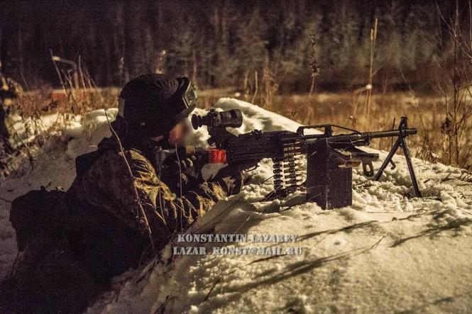 Tận thấy đặc nhiệm Nga tác chiến trong băng giá - ảnh 18