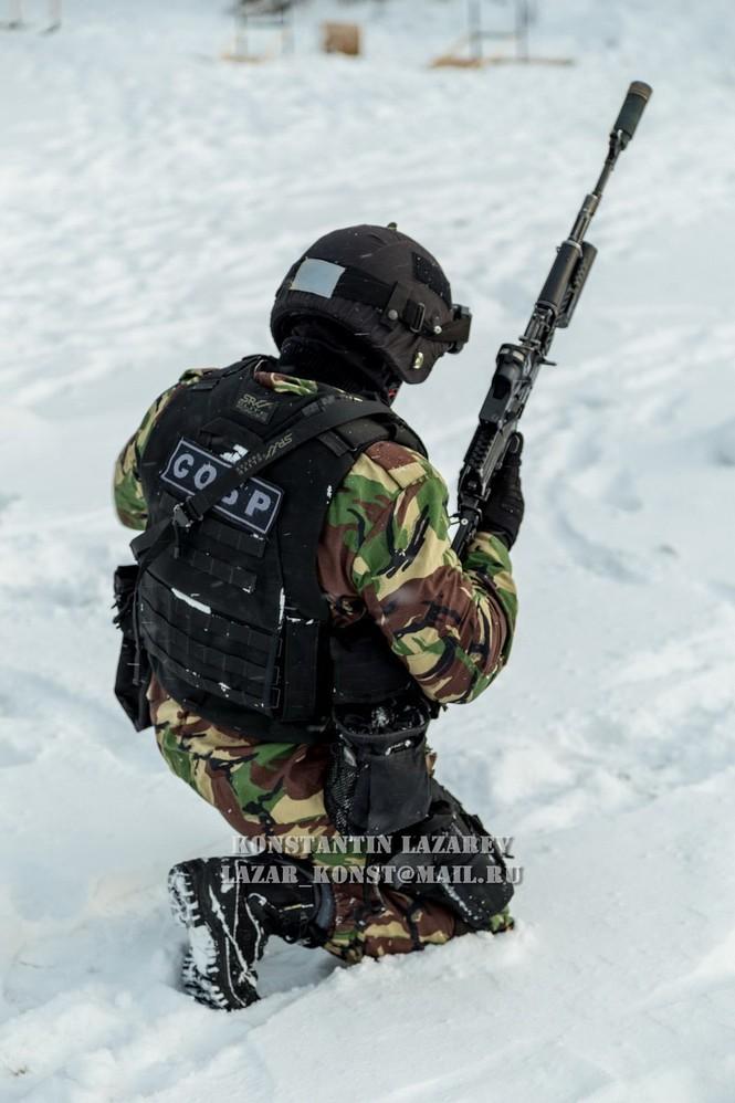 Tận thấy đặc nhiệm Nga tác chiến trong băng giá - ảnh 3