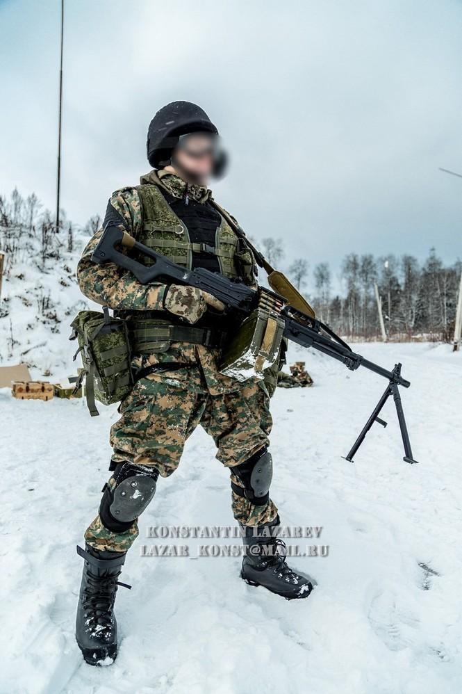 Tận thấy đặc nhiệm Nga tác chiến trong băng giá - ảnh 5