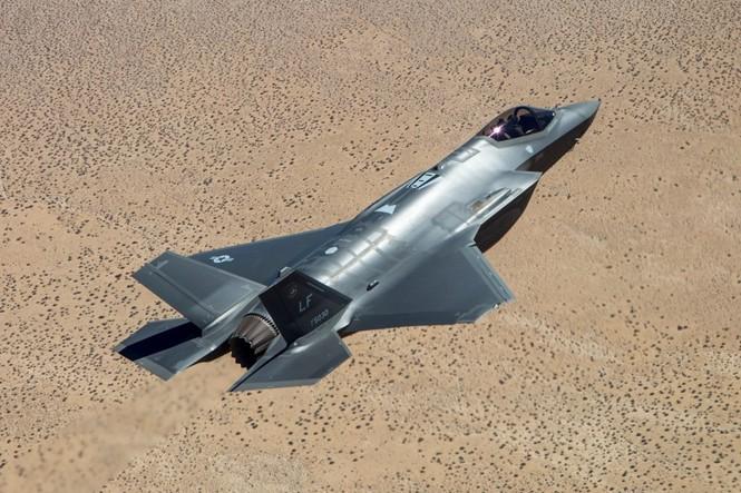 Phiền nhiễu như thử siêu chiến đấu cơ F-35 - ảnh 6