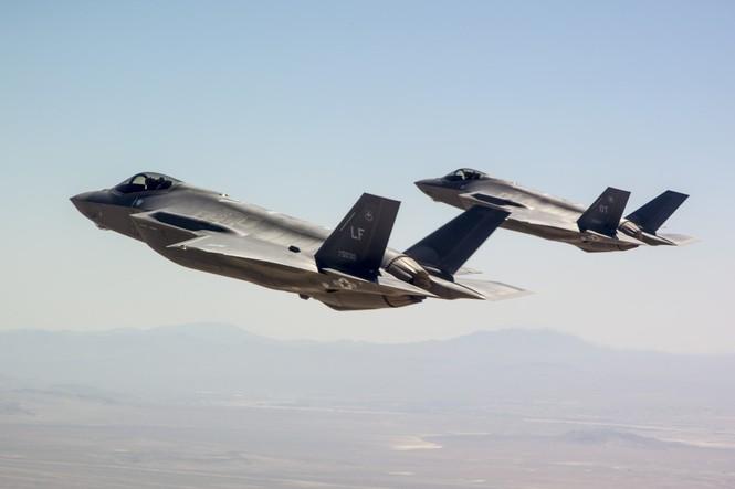 Phiền nhiễu như thử siêu chiến đấu cơ F-35 - ảnh 7