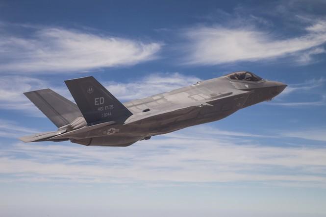 Phiền nhiễu như thử siêu chiến đấu cơ F-35 - ảnh 8