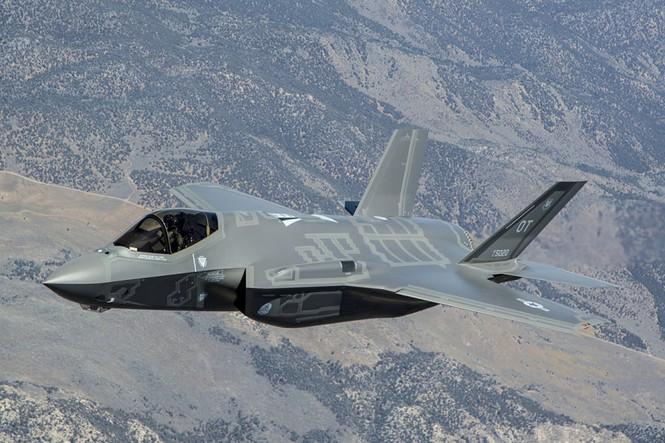 Phiền nhiễu như thử siêu chiến đấu cơ F-35 - ảnh 9