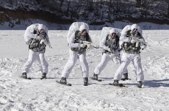 Đặc nhiệm Hàn Quốc tác chiến trong tiết trời âm 20 độ - ảnh 11