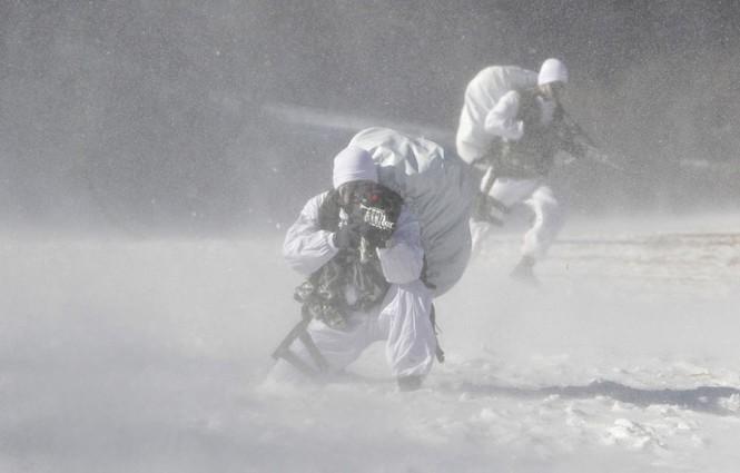 Đặc nhiệm Hàn Quốc tác chiến trong tiết trời âm 20 độ - ảnh 3