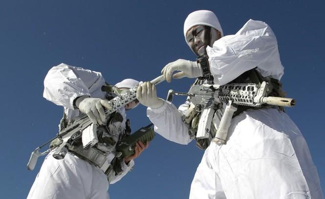 Đặc nhiệm Hàn Quốc tác chiến trong tiết trời âm 20 độ - ảnh 4