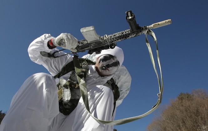 Đặc nhiệm Hàn Quốc tác chiến trong tiết trời âm 20 độ - ảnh 5