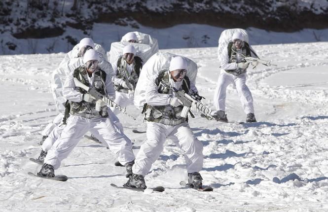 Đặc nhiệm Hàn Quốc tác chiến trong tiết trời âm 20 độ - ảnh 6